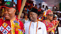 APC Governorship  candidate in Akwa Ibom state, promises to banish poverty.
